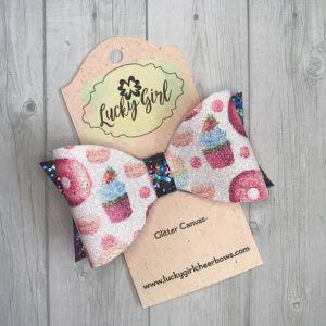 Modern graphic bow with clip